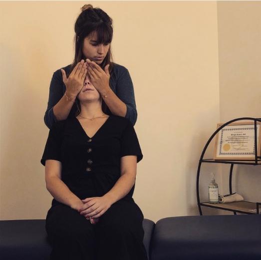 séance de chiropraxie au cabinet de Madame ROBERT